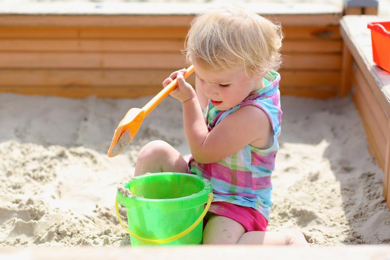 5 leuke zandbakken voor in de tuin
